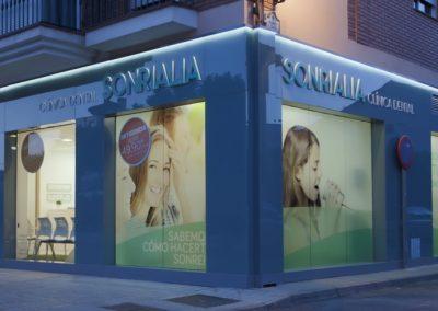 """Clínica Dental """"Sonrialia"""""""